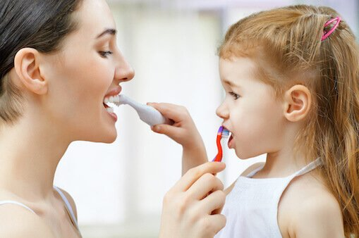 Tips To Brush Your Childs Teeth